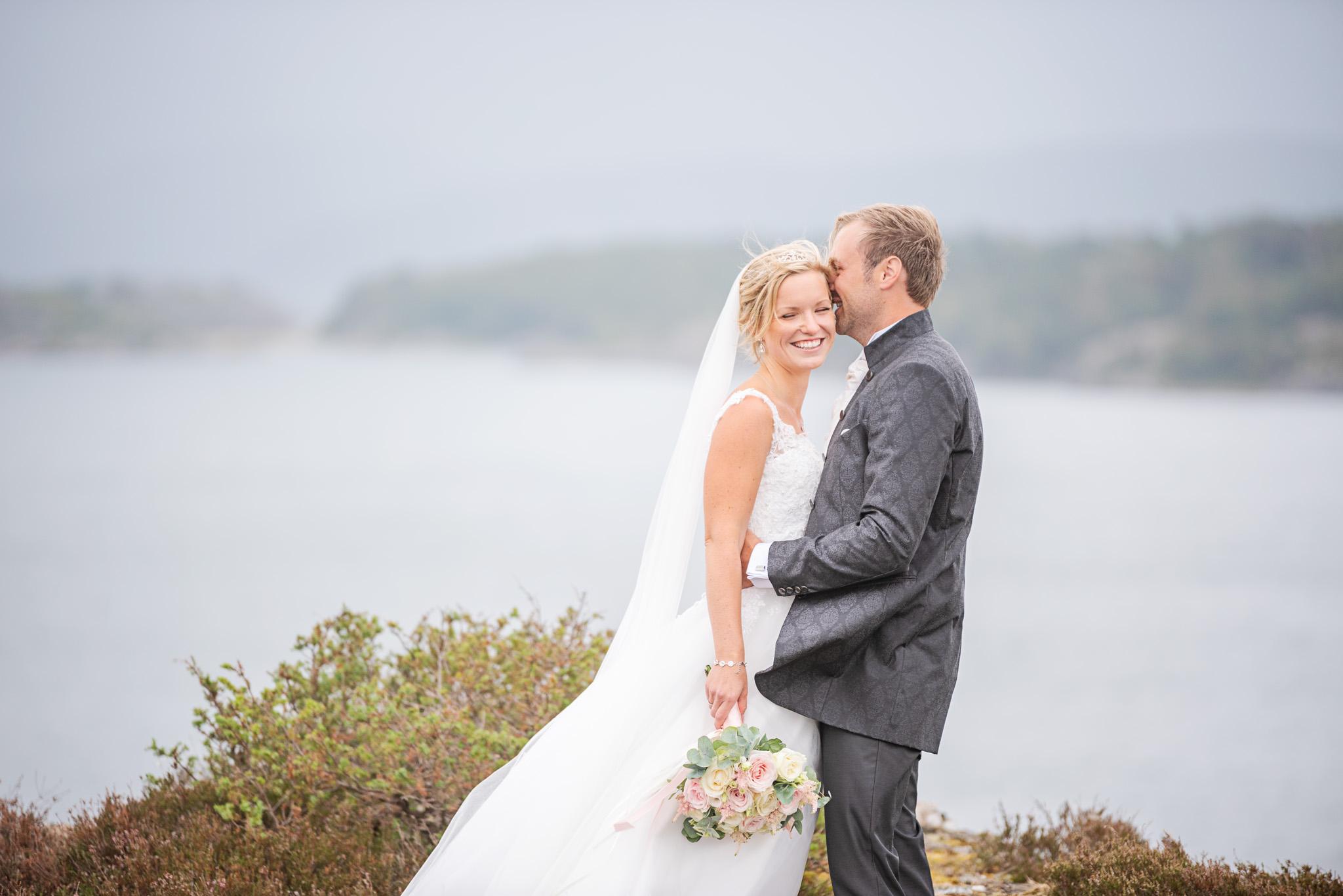 Caroline & Christoffer – Bröllop på Tjörn